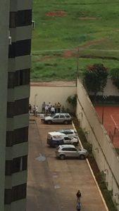 Moradores pegando ladrão